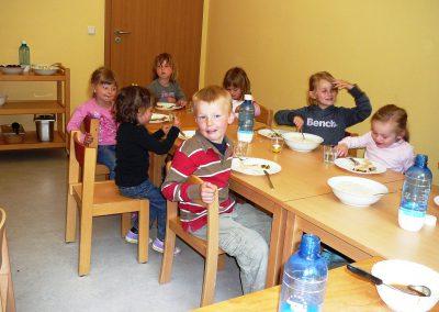 P1030372 Kindergarten